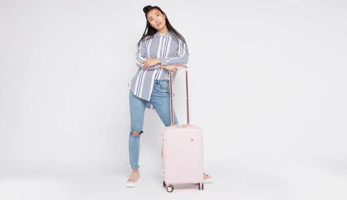أفضل 5 حقائب سفر لحمل جميع أغراضك مع كود خصم سنتربوينت 2020