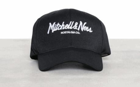 كاب أنيق – أسود من MITCHELL & NESS